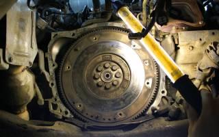Для чего нужен маховик в двигателе?