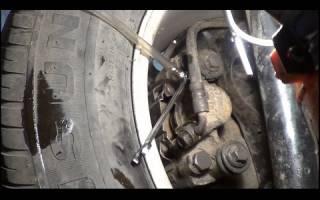 Как прокачать тормоза на ВАЗ 2106 порядок?